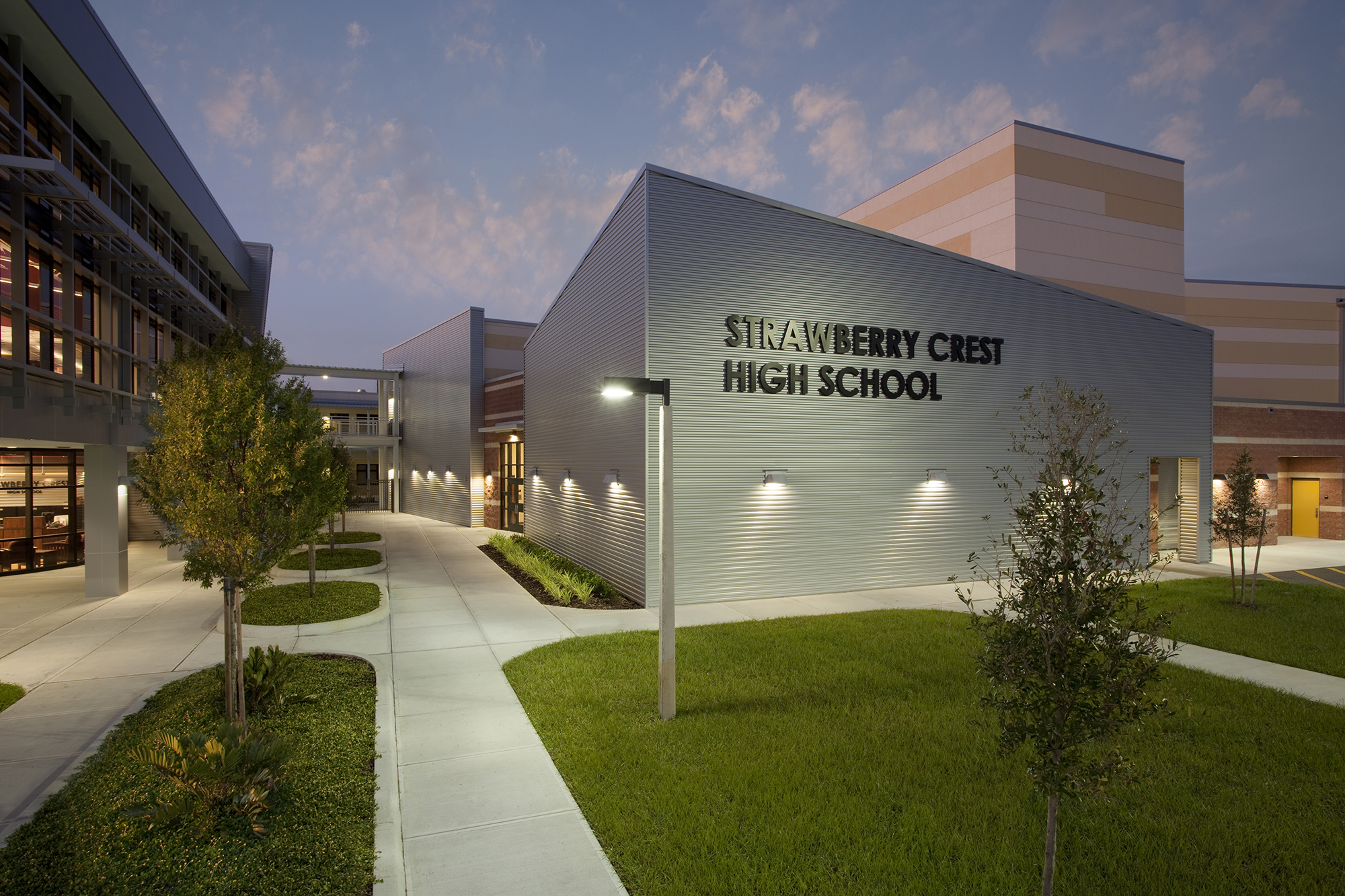 Elementary School Rankings >> Strawberry Crest High School - The Beck Group